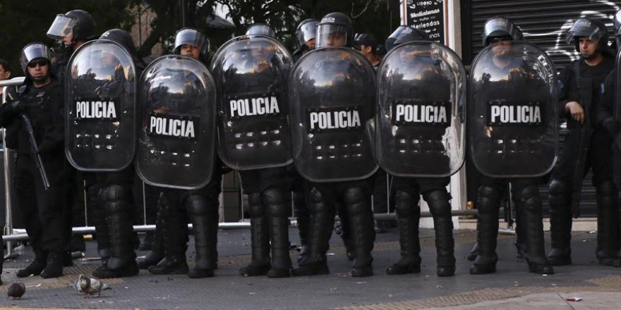 Arjantin'de olası karışıklığa çözüm: Vur yetkisi verildi