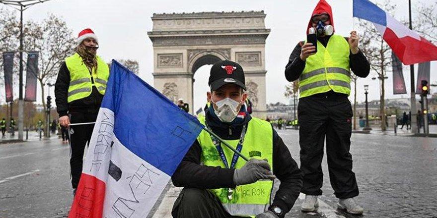 Paris Belediye Başkanı'ndan şok Sarı Yelekliler çıkışı