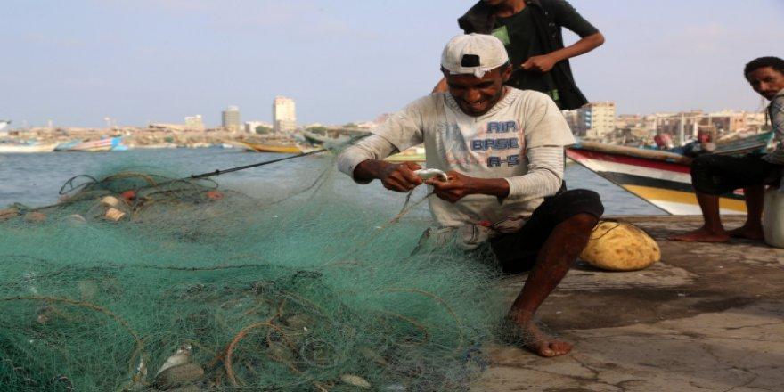 Yemen'de avlanan balıkçılar sürekli ölüm riski yaşıyor