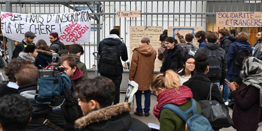Fransa'da öğrenci eylemleri de olaylı geçiyor