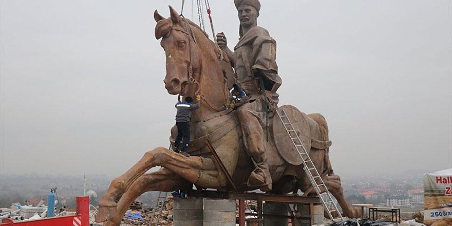 Bolu'ya 70 metrelik heykel dikiyorlar: Köroğlu olsaydı yıkardı!