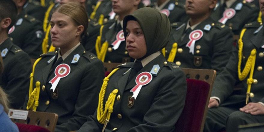 Danıştay'dan başörtülü kadın asker kararı
