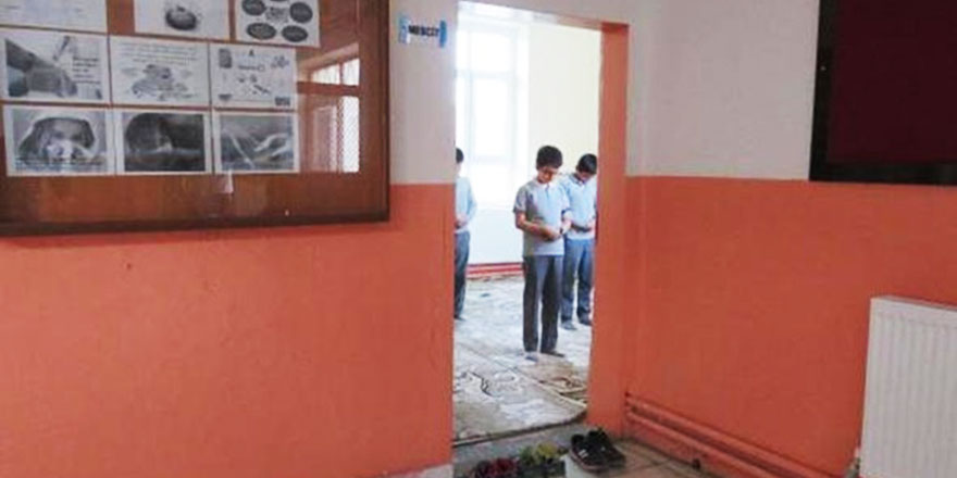 Mescitsiz Okul Kalmasın projesi devam ediyor