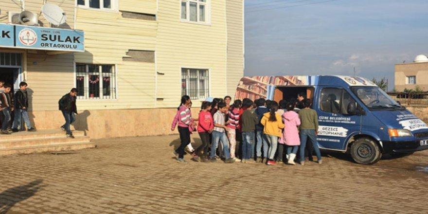 Şırnak'ta köy öğrencileri kütüphane ile buluştu