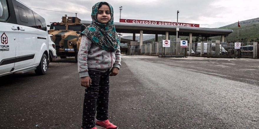 Türkiye'nin sahip çıktığı Suriyeli kız ülkesine döndü