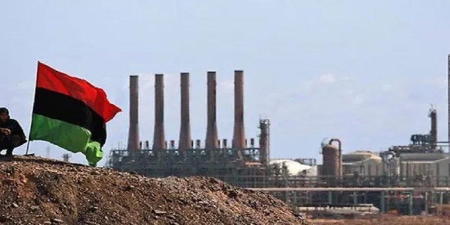 Libya'da göstericiler Şerare petrol sahasını kapattı