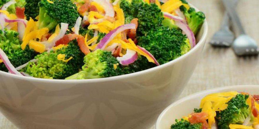 Kainat Eczanesi'nden brokolinin faydaları