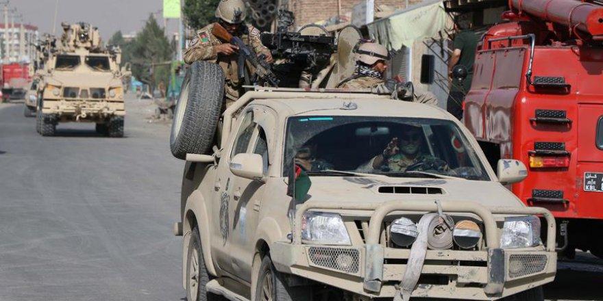 Taliban askerlere saldırdı: 8 ölü