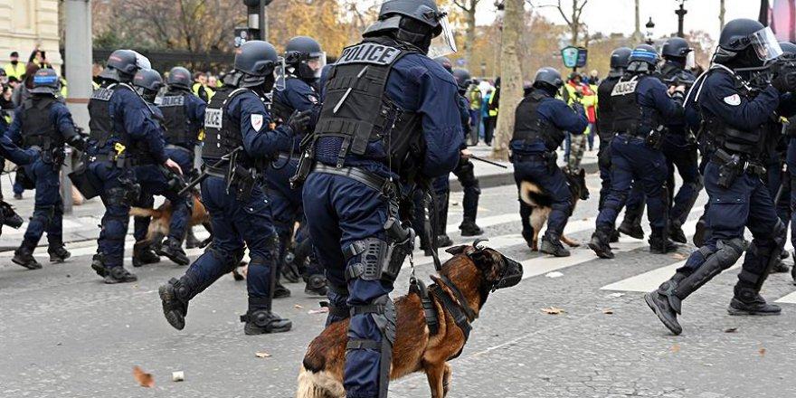 Fransa'da protestolar eğitimi aksattı