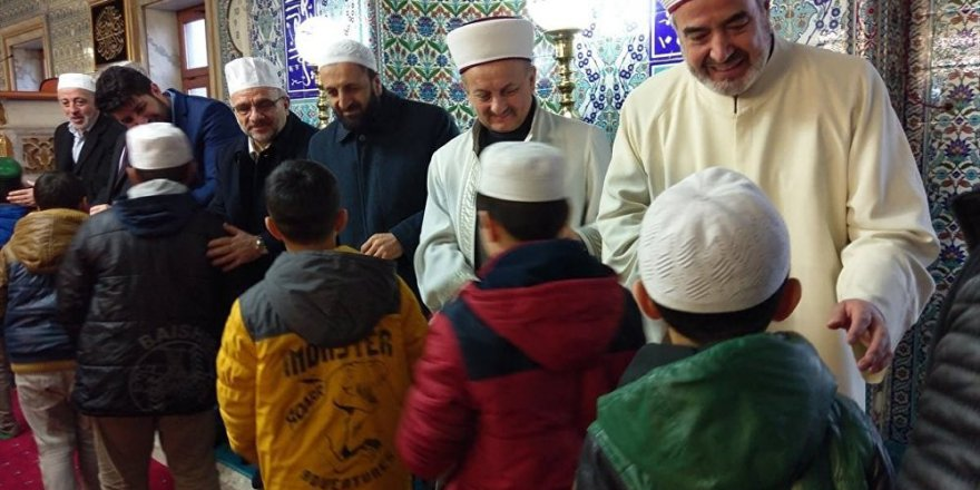 Her camiye bir 'gençlik kolları' geliyor