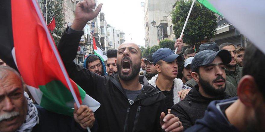 İsrail ile Filistin arasında tansiyon giderek yükseliyor