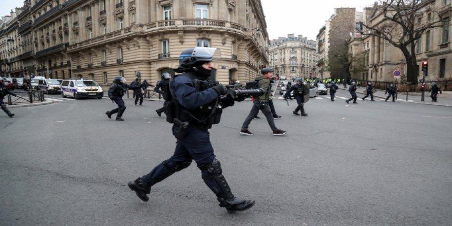 Fransa'daki protestolarda tansiyon yükseliyor