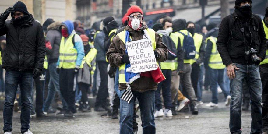 Fransa'daki gösteriler dolup taştı