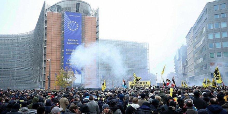 Avrupa Birliği ırkçılara tepki gösterdi