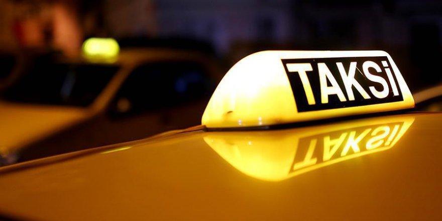 """TŞOF: """"Aracını kullanmayan taksici bu mesleği bıraksın"""""""