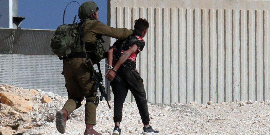 İşgalci İsrail 29 Fİlistinliyi alıkoydu