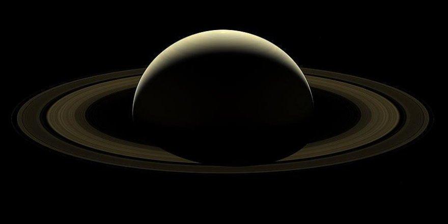 NASA: Satürn'ün halkaları hızlı bir şekilde kayboluyor