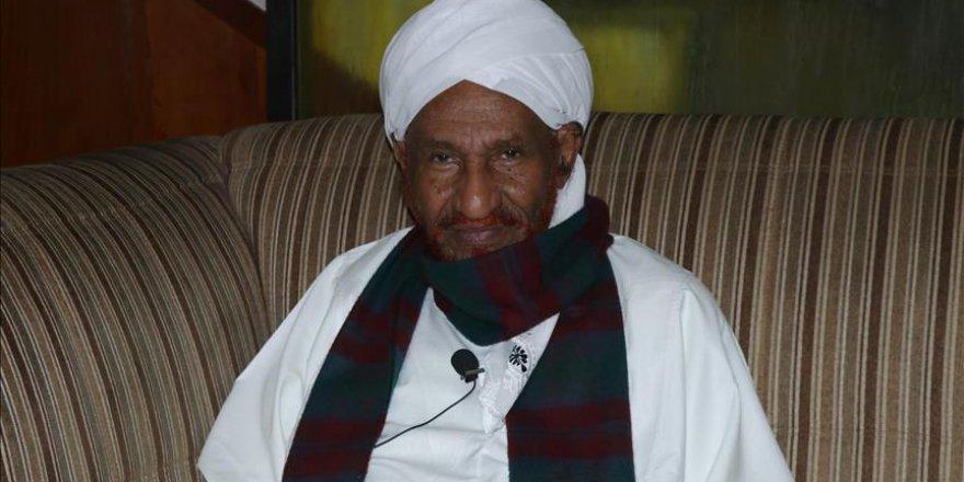 Sudanlı muhalif lider Mehdi 10 ay sonra ülkesine döndü