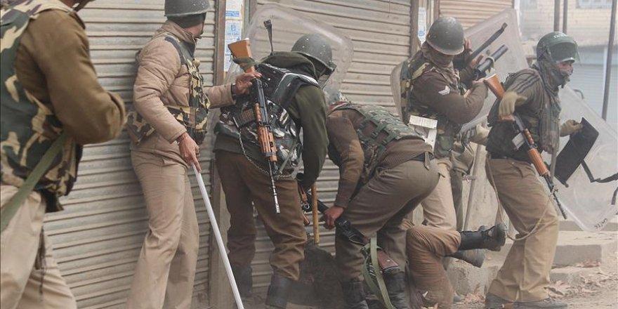 Hindistan'da polis ile bağımsızlık yanlıları çatıştı
