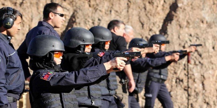 Afgan polislerin eğitimi Türkiye'den