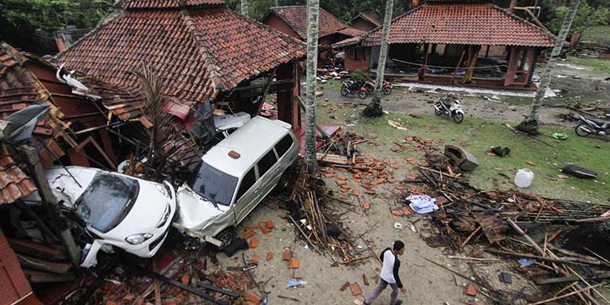 Endonezya'daki tsunamide ölü sayısı 222'ye yükseldi