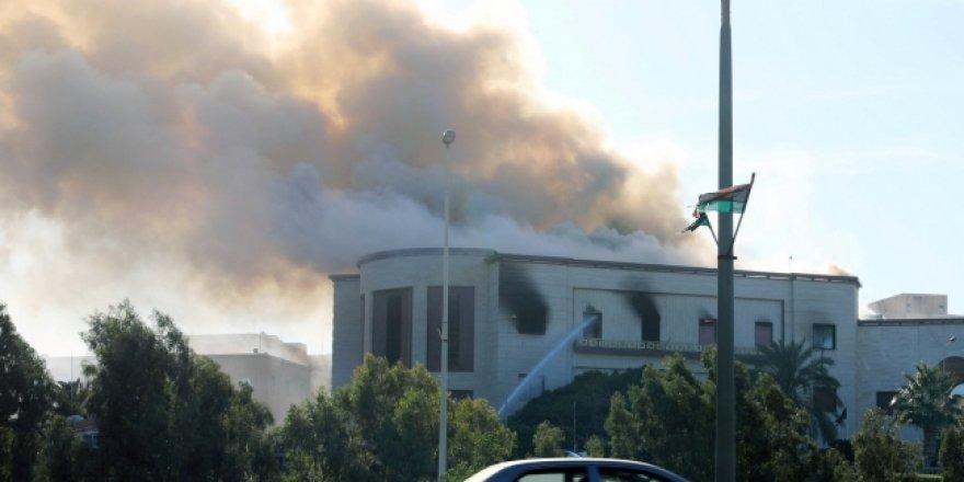 Libya Dışişleri Bakanlığına intihar saldırısı