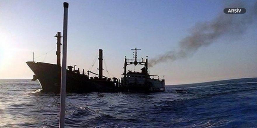 Malezya'da yük gemisi battı