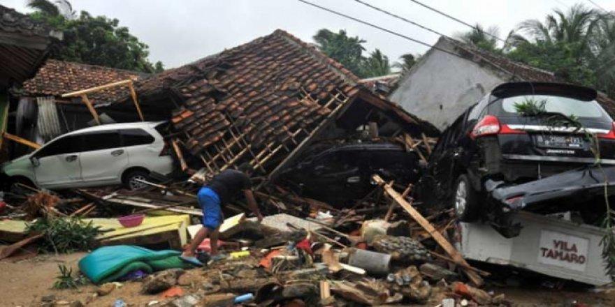 Endonezya'da halk tsunamiye karşı uyarıldı
