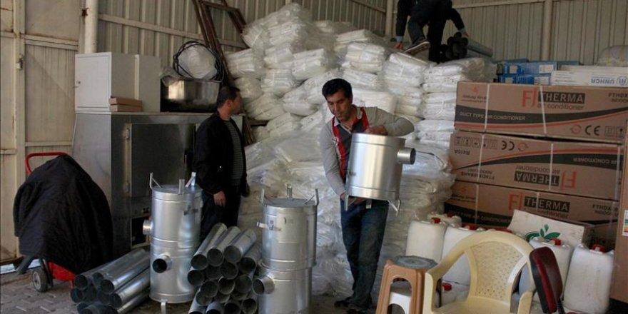 İdlib'de çadırlarda yaşayan ailelere kışlık yardım