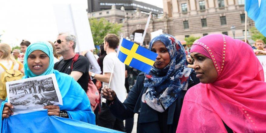 İsveç'ten Müslüman ve örtülü göçmenlere tuhaf uyarı