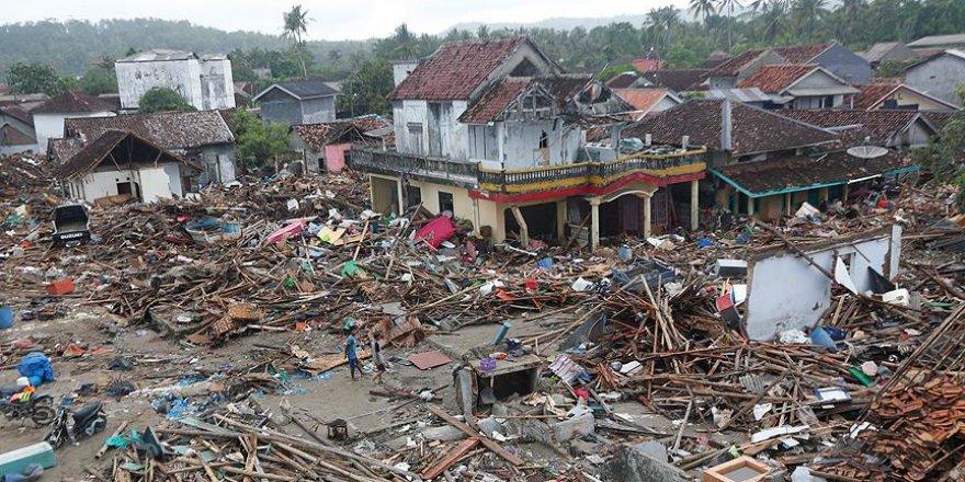 Endonezya'da felaketlerin sınırı yok