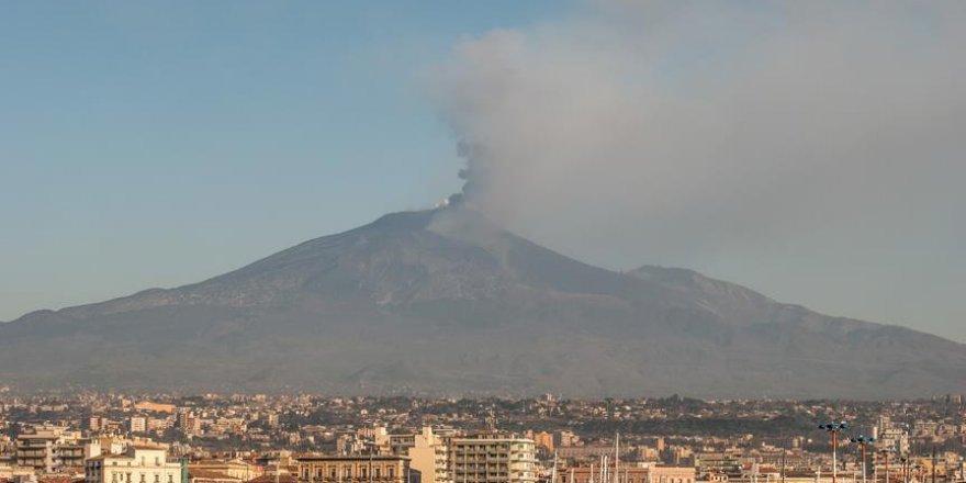 İtalya'da depremler 10 kişinin yaralanmasına neden oldu