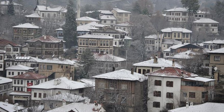 'Beyaz Rahmet' Safranbolu'da tefekkürlük görüntülere neden oldu