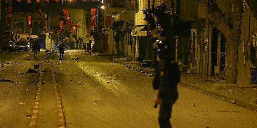 Tunus yeni yıla endişeli giriyor