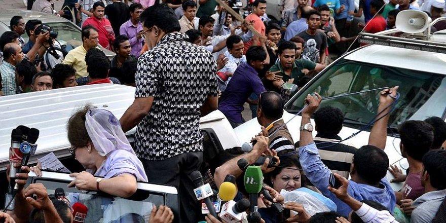 Seçime giden Bangladeş'te şiddet endişesi