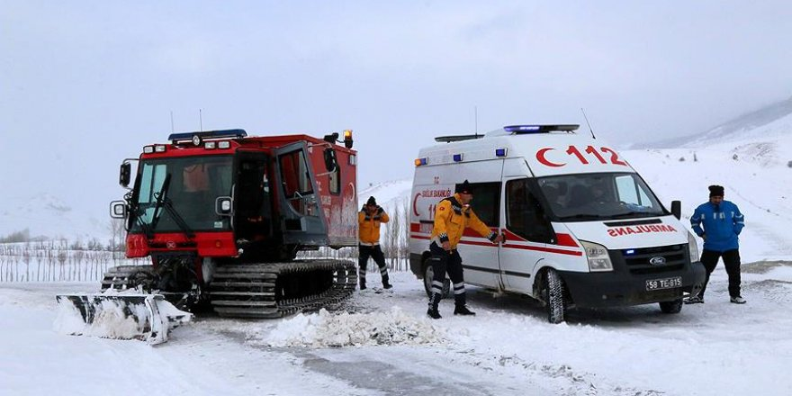 Sivas'ta paletli ambulanslar hayat kurtarılmasına vesile oldu