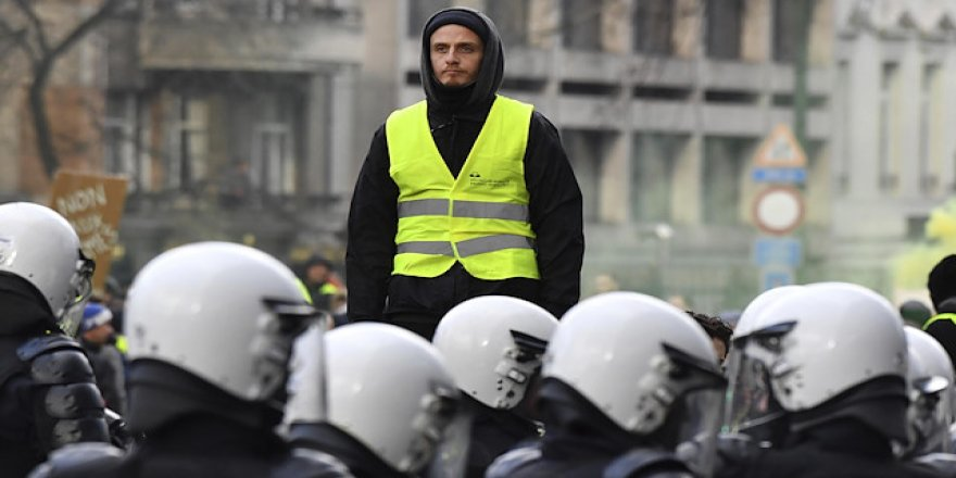 Sarı Yelekliler Hollanda'da gözaltında