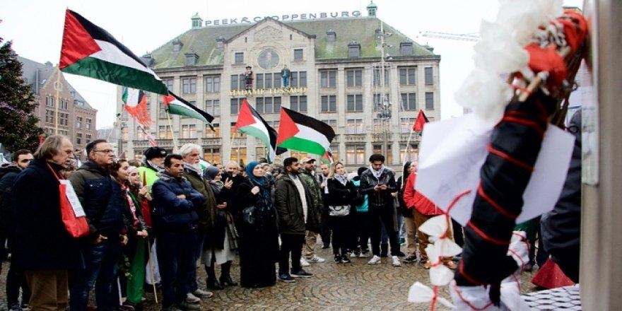 Hollanda'da Filistinliler için anıt açıldı