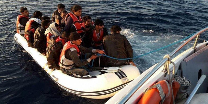 İzmir'de kaçak göçmenlere geçit verilmedi