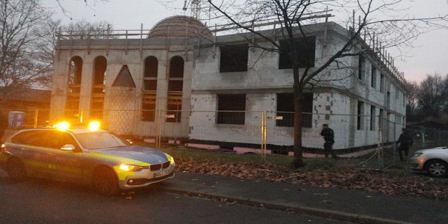 Almanya'da ırkçılar caminin inşaatından huzursuz oldu