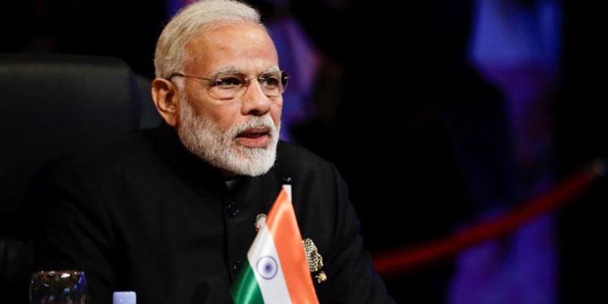 BAE'den Keşmir'i işgal eden Hindistan Başbakanı Modi'ye üst düzey devlet nişanı