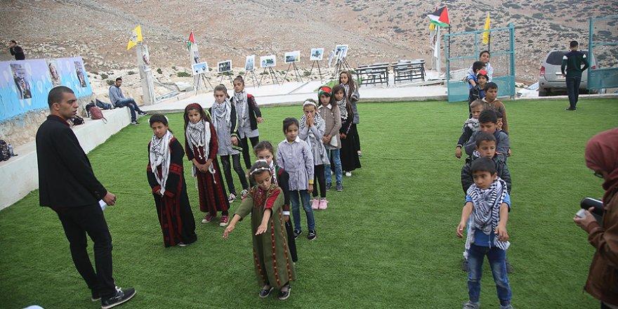 İsrail'in her zulmüne rağmen eğitimlerine devam ediyorlar