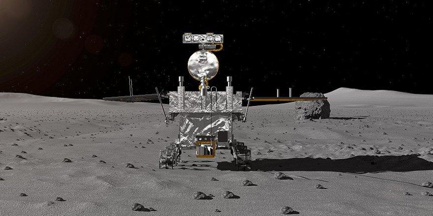 Çin Ay'ın karanlık yüzüne indi