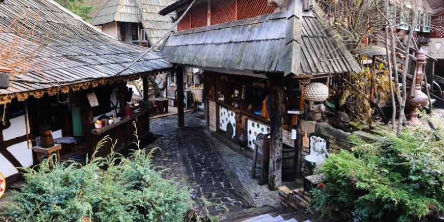 Etnik köyde zamanda yolculuk