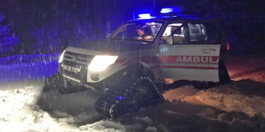 Kahramanmaraş'ta sağlık ekipleri hamile kadını kurtardı