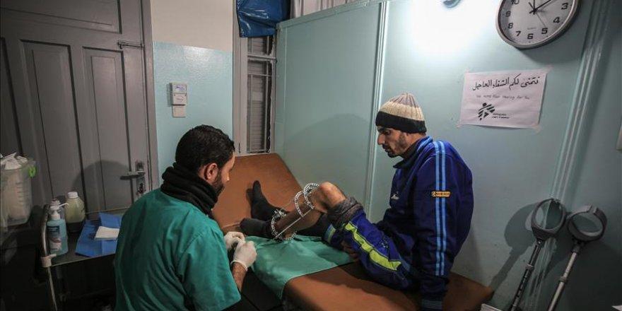 Sınır Tanımayan Doktorlar Gazzelilerin yaralarını sarıyor