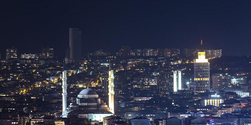 Yapay şehir ışıkları gökyüzünü izlememize engel oluyor