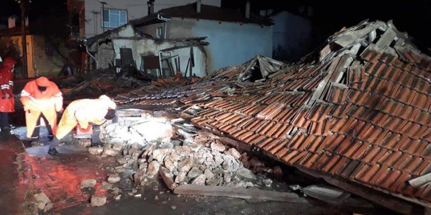 Koruma altına alınan ev sağanaklara dayanamadı
