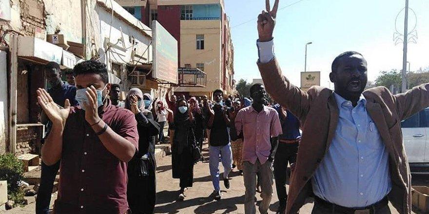 Sudan'da gösteri ve grev yasağı getirildi