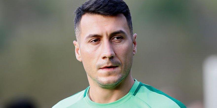 Konyasporlu futbolcu galibiyete adak adadı